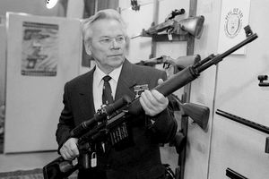 Kaлашников даде името си на оръжеен концерн в Ижевск