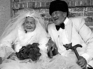 Китайска двойка си направи сватбен албум след 88 години брак