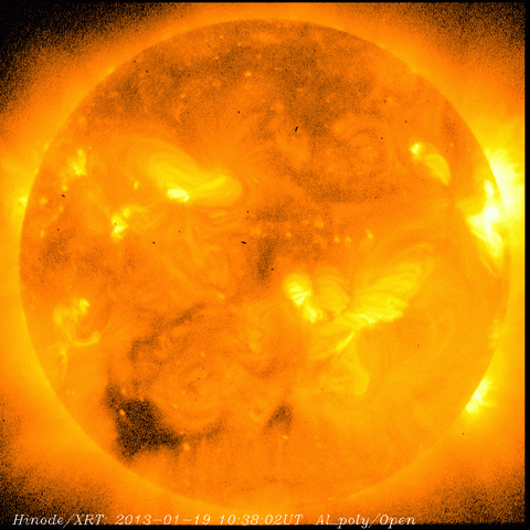След три седмици магнитните полюси на Слънцето ще се сменят