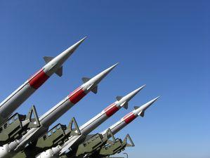 Светът се готви за война: разходите за отбрана в световен мащаб са  $ 1,75 трилиона