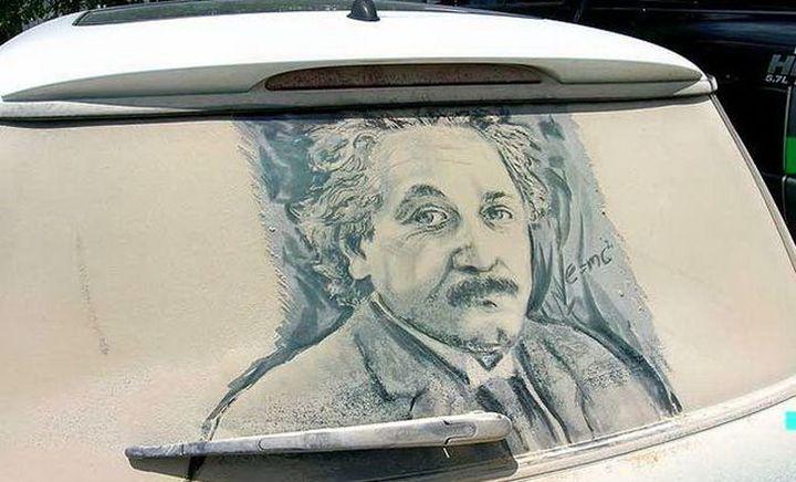 5 шедьоври на прашните автомобилни прозорци от Скот Уейд
