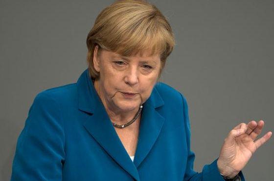 """Меркел определи действията на Русия в Крим като  """"анексия"""""""