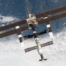 НАСА : На МКС се появи дим