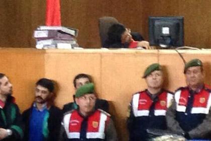 В Турция съдия и прокурор заспаха на политически процес