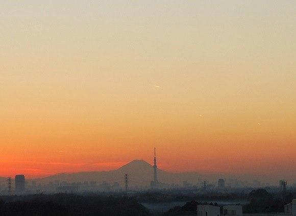 Нашествие на няколко НЛО шокира Япония (фото, видео)