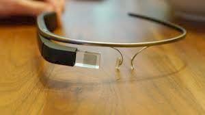 В Калифорния съдят за шофиране с Google Glass