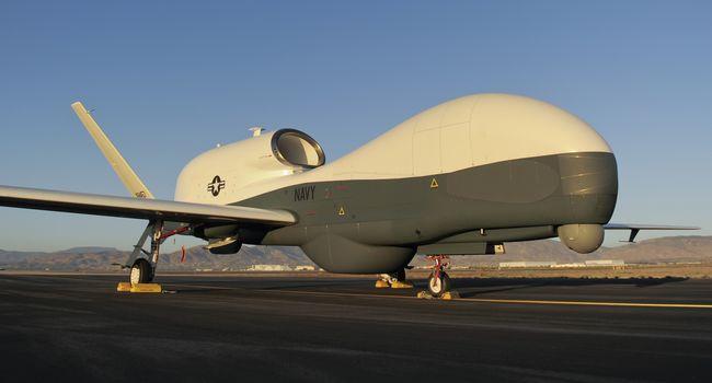 Австралия ще купи гигантски безпилотни самолети за защита на границите си