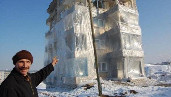 Енергийна ефективност по турски – опаковат сградите с найлон