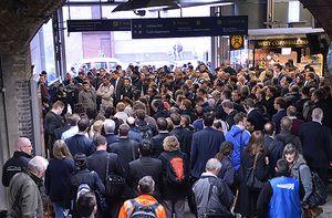 Лондонското метрото е парализирано от стачка