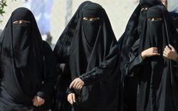 В Саудитска Арабия арестуваха жена, седнала зад волана