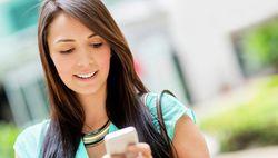 Лекари препоръчват на бременните жени да ограничат ползването на мобилни телефони