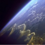 Върху Международната космическа станция са открити живи организми.