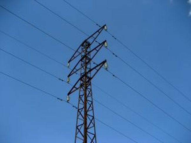 Д. Добрев остави таксата за повторно включване на тока