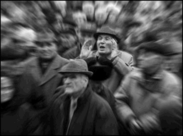 1 228 623  са с пенсия под линията на бедността