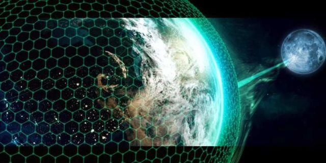 Луната е доставена в орбита около Земята за контрол и поробване на планетата