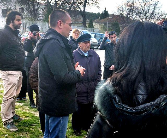 Джамбазки ще сезира ЕК за циганския блок във Варна