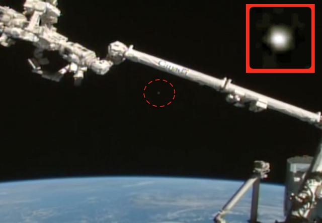 Два огромни НЛО осветиха Международната космическа станция (видео)