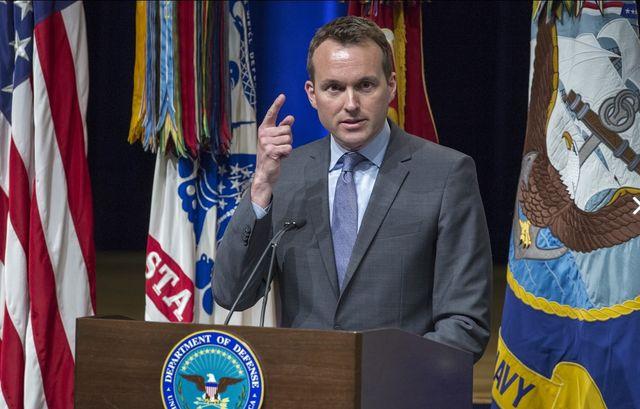 Обама номинира открит гей за министър на армията