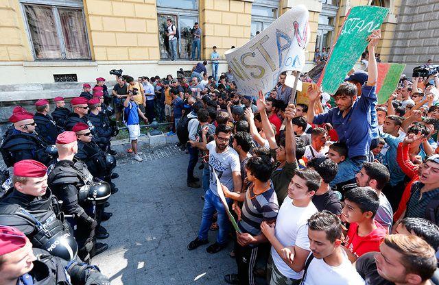 Унгария:  Към  Европа се насочват 30-35 милиона бежанци