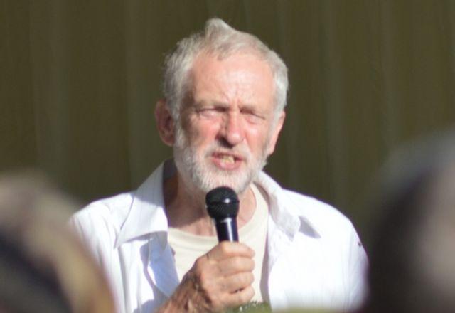 Лидерът на опозицията отказа да пее националния химн на  Великобритания