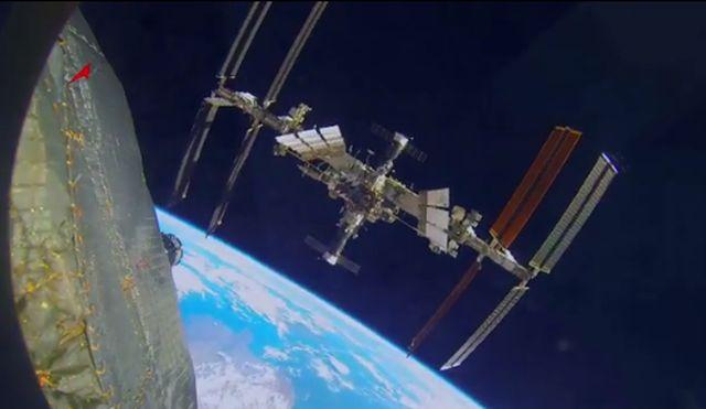 Цирк на орбитата на Международната космическа станция (видео)