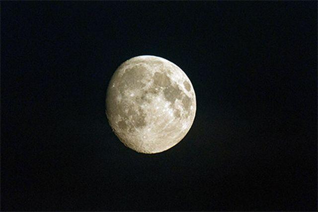 Роскосмос: Нашите космонавти ще кацнат на Луната през 2029 г.