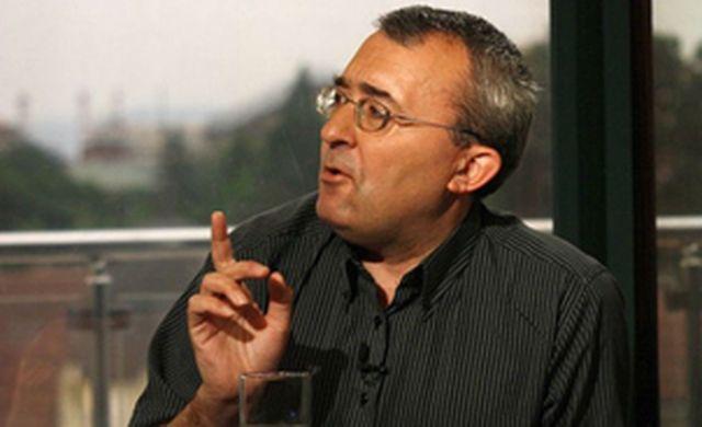 Н. Слатински: България се притежава от малка олигархична група