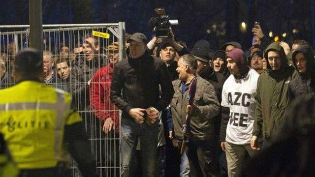 Истински  бунт избухна в Холандия срещу  мигрантите