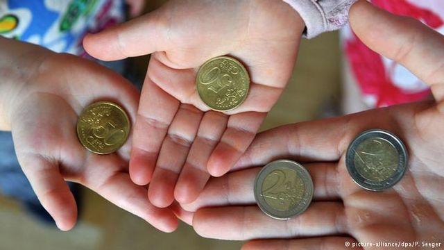 Германия : 10 на сто от семействата притежават повече от половината капитали