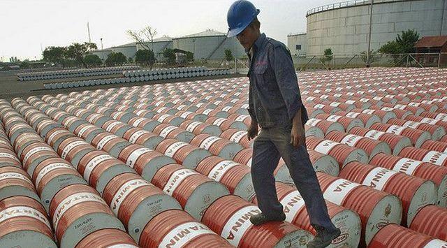 Израел: Ислямска държава отдавна продава петрол на  Турция