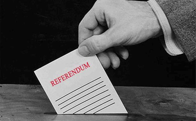 Марешки внесе подписката за референдум в Народното събрание