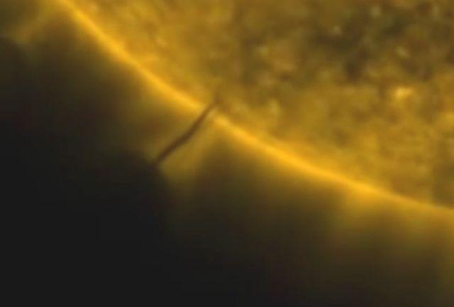 Oще един НЛО се зарежда от Слънцето (видео)