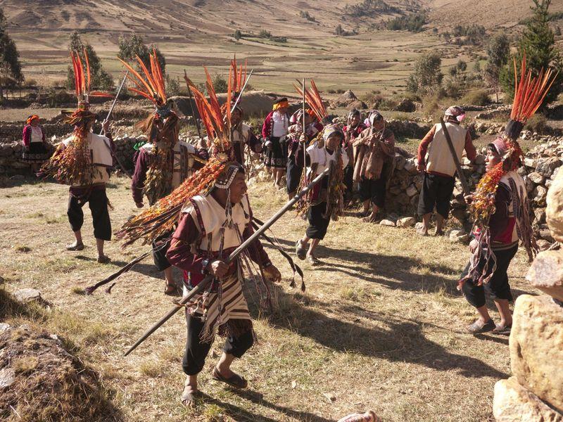 Индианци в Перу завзеха  хеликоптер с държавни чиновници