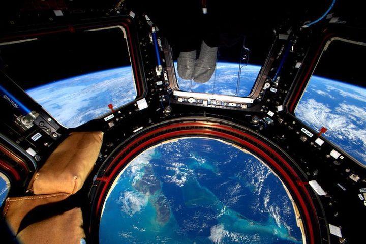 Извънземен кораб се доближи до МКС  (видео)