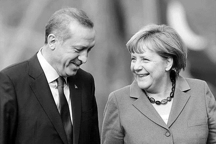 Германия се  наведе: Ще разследва комика Ян Бьомерман за обида срещу Ердоган