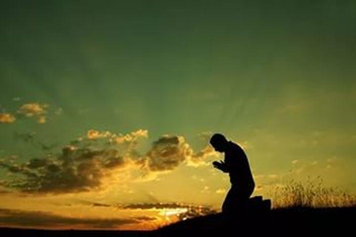 Всеки девети американец предпочита да се лекува с молитва