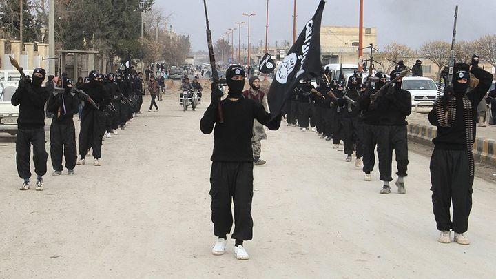 """5 хиляди терористи от """"Ислямска държава"""" кръстосват Европа! По всяко време са готови за кървави атентати"""