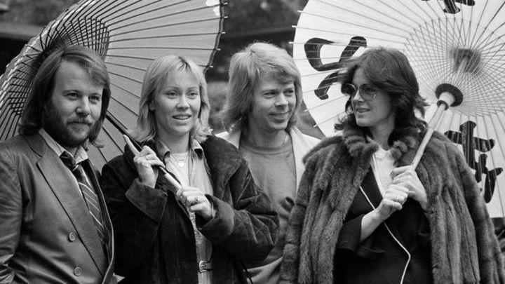 ABBA  се  събират  за ново цифрово шоу