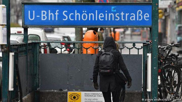 """""""Бежанци"""" от Сирия и Либия запалиха спящ бездомник  в берлинското метро"""