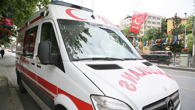 При нападение  в нощен клуб в Истанбул загинаха най-малко 35 човека