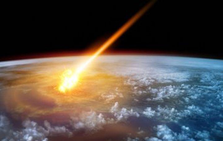 НАСА: Огромен астероид ще падне на Земята през февруари