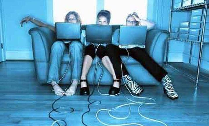 """Шок! """"Лайковете""""  в социалните мрежи разрушават  психиката"""