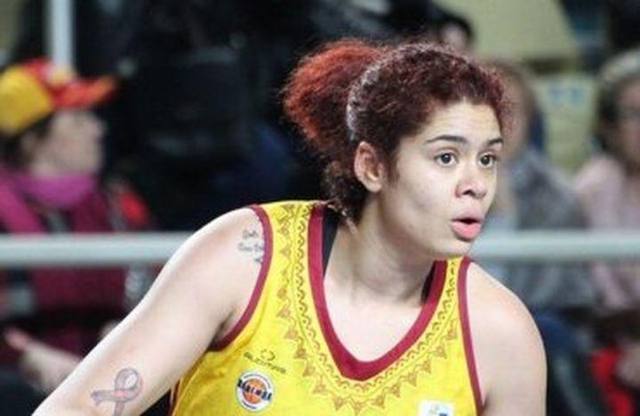 Баскетболистката Аманда З. трябваше да си смени фамилията за да не и се смеят запалянковците в Русия