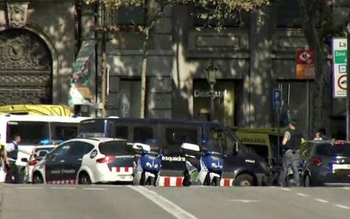 Броят на жертвите при терористичния  акт в Барселона  достигна 13 човека (видео)