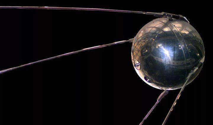 Колко боклук е оставил човек  в космоса за  60 години след първия спътник?