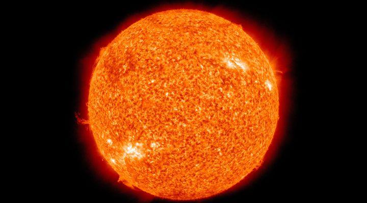 Ледена епоха: След 35 години Слънцето ще стане по-тъмно и по- студено