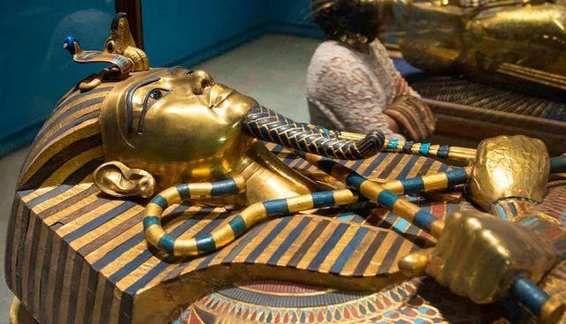 В гробницата на Тутанкамон е намерен извънземен пръстен