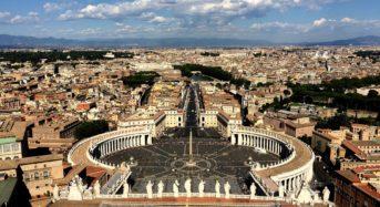 """Папа Франциск смята  отричането от ваксина за  """"самоубийство"""""""
